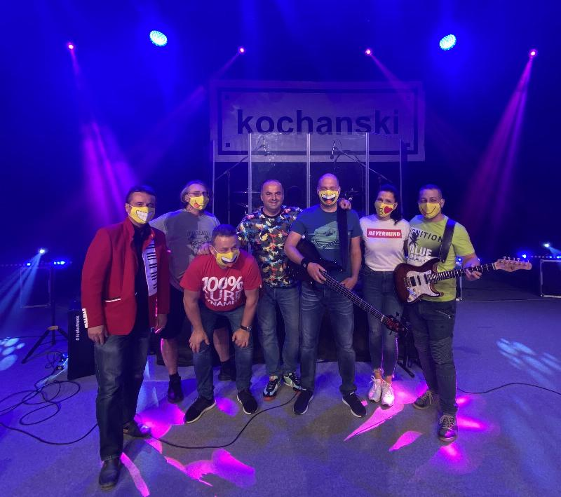V Dome kultury Dubravka online koncert skupiny KOCHANSKI. 29.april 2020 Bratislava